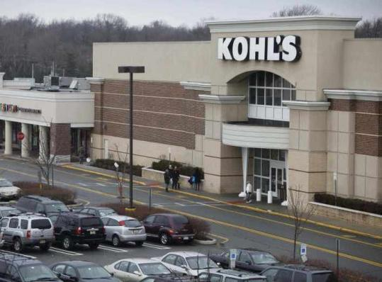 A Kohl&#8217;s official said yesterday that while customer counts rose, shoppers spent less per transaction.