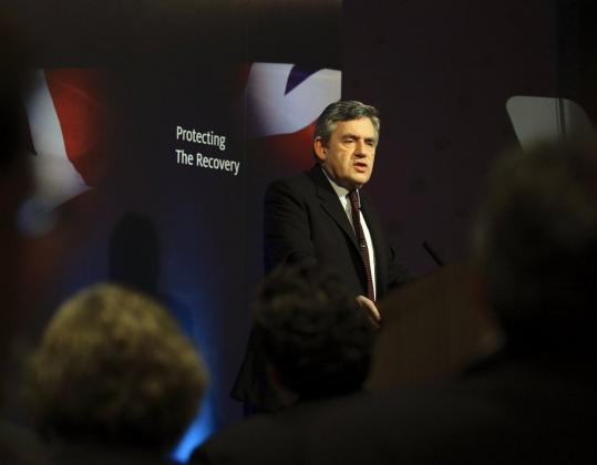 Neither British Prime Minister Gordon Brown's ruling Labor government nor the main opposition may win enough seats in an upcoming election to form a majority government.