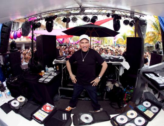 Dancing Astronaut Guide to Miami Week 2011: Sunday 3/27/11539w