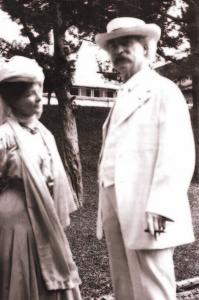 Mark Twain with his companion, Isabel Van Kleek Lyon.
