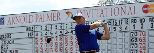 Ernie Els stayed on the leaderboard for the third straight day at Bay Hill, finishing the day with a one-shot lead.