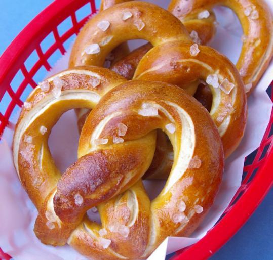 Recipe for soft pretzels - The Boston Globe