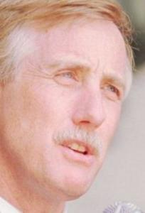 Angus King, left, in 1995, former independent governor of Maine, had a lot more going for him when he was campaigning than Tim Cahill.