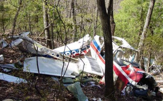 The wreckage of a Piper Tomahawk that crashed near Dawson- ville, Ga., in 2007. By the time rescuers arrived, the pilot died.