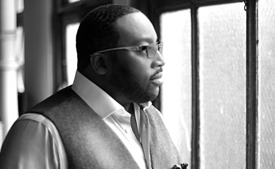 "Marvin Sapp, a singing preacher, hit a triumphant No. 2 recently on the Billboard album chart with ""Here I Am.''"
