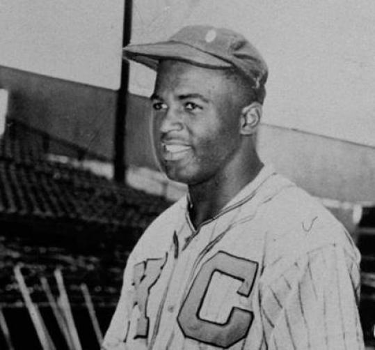 Jacki Robinson in 1945.