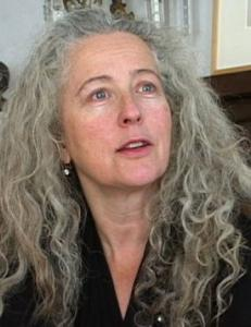 Artists Kiki Smith (pictured) and Chuck Close plan to take part in a fund-raiser tomorrow in New York to help pay legal fees for a lawsuit pending against Brandeis, where a show featuring work by video artist Bill Viola is scheduled to open in the fall at the Rose Art Museum.