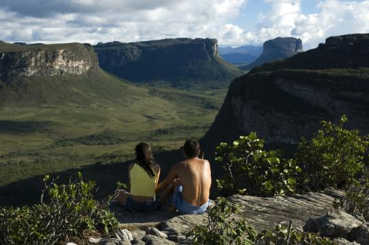 At top, Chapada Diamantina (Diamond Highlands) in 1844 was the site of a rush on industrial-grade diamonds that ended by the 1870s; also near Lençóis, the distinctive limestone flat tops of the Serra do Sincorá.