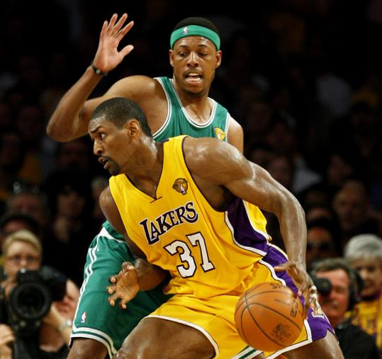 Ron Artest, who hadn't had a very good series, showed a little more drive against Paul Pierce.