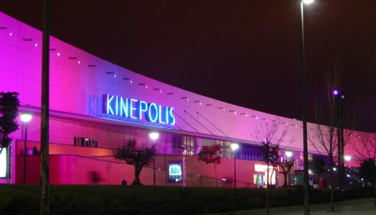 Today, Spain is home to the largest megaplex in the world: Kinepolis, which opened in Madrid in 1998, has 25 screens and a total seating capacity of 9,200.