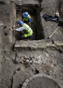 Archeologists worked to unearth a 16th-century theater in London where William Shakespeare's plays were performed.