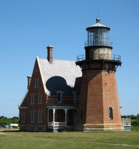 Southeast Light, which overlooks Mohegan Bluffs, offers guided tours.
