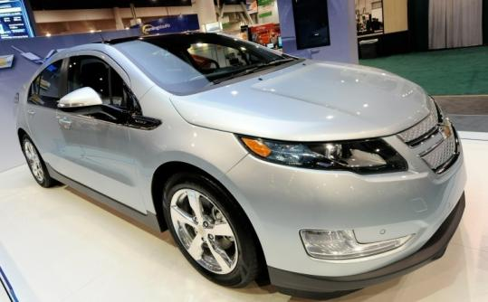Tax breaks will help to substantially reduce the price of the gas-and-electric Volt, which goes on sale in November.