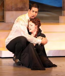"Ta'u Pupu'a as Bacchus and Emalie Savoy as Ariadne in ""Ariadne auf Naxos'' at Tanglewood."