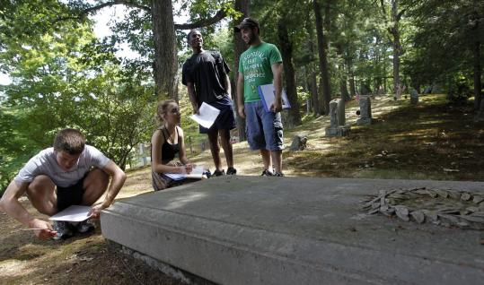 In the afternoons, students visit local historic sites, like Sleepy Hollow Cemetery, to experience firsthand what they learned in their lectures.