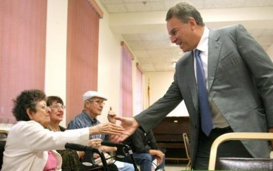 Jeff Greene greeted seniors during a campaign stop in Orlando, Fla., Tuesday.
