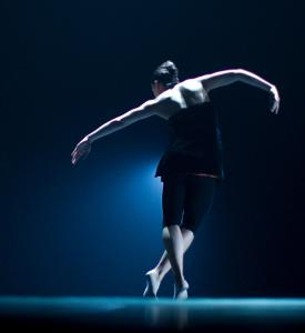 "Jacqueline Burnett of Hubbard Street Dance Chicago rehearses Alejandro Cerrudo's ""Deep Down Dos.''"