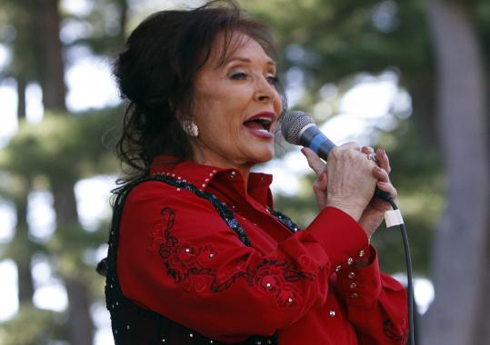 Loretta Lynn had to overcome technical difficulties with the sound system at Indian Ranch.