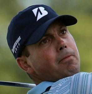 MATT KUCHAR One-shot lead over Moore