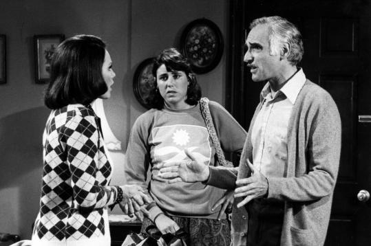 "Harold Gould had recurring roles on television's ""The Golden Girls'' and ""Rhoda.'' Above, Valerie Harper (left), Julie Kavner, and Harold Gould on the ""Rhoda'' set."