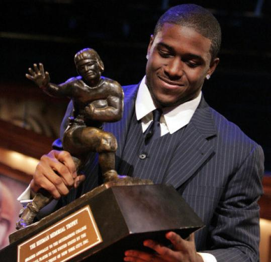 Reggie Bush forfeits his Heisman