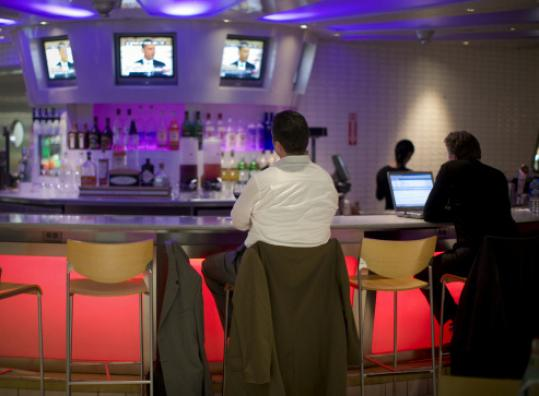 Boston wants to offer special liquor licenses for vendors at Logan Airport.