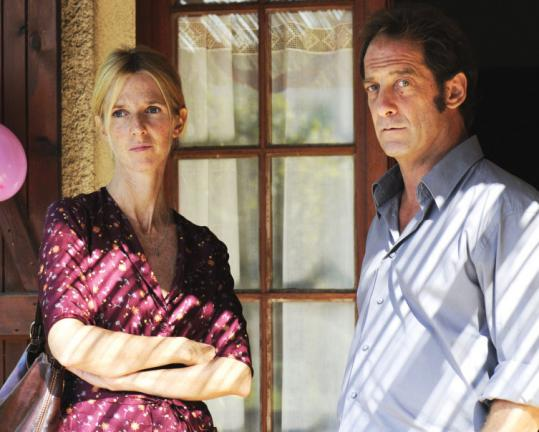 Sandrine Kiberlain plays the title character, a teacher, and Vincent Lindon portrays a caring contractor named Jean.