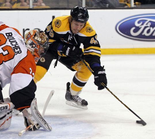 The Bruins hope that defenseman Matt Hunwick can carry his weight this season.