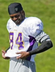 The No. 84 Vikings jersey of Randy Moss is back in style, and many Minnesotans didn't have to pay to purchase a new one.