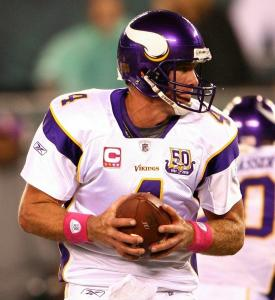 Quarterback Brett Favre had trouble getting the Vikings on track against the Jets in his return to East Rutherford, N.J., last night.