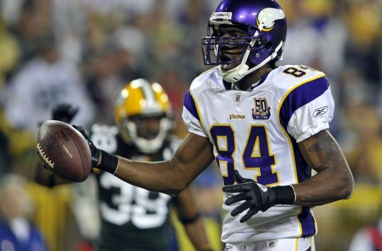 Randy Moss is wearing a different uniform now, but many of former mates are looking forward to seeing him.