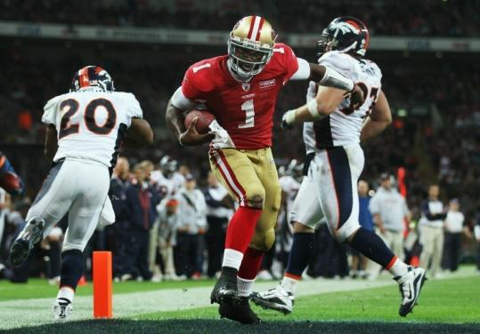 Making just his third career start, Troy Smith changed the 49ers' luck in London with this tying TD run in the final quarter and a go-ahead TD pass.