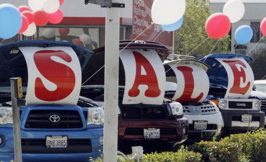Many automakers kept incentives flat in October, while others, such as Honda and Toyota, piled on the rebates. Honda&#8217;s incentives were double last year&#8217;s, and Toyota&#8217;s were up 50 percent.