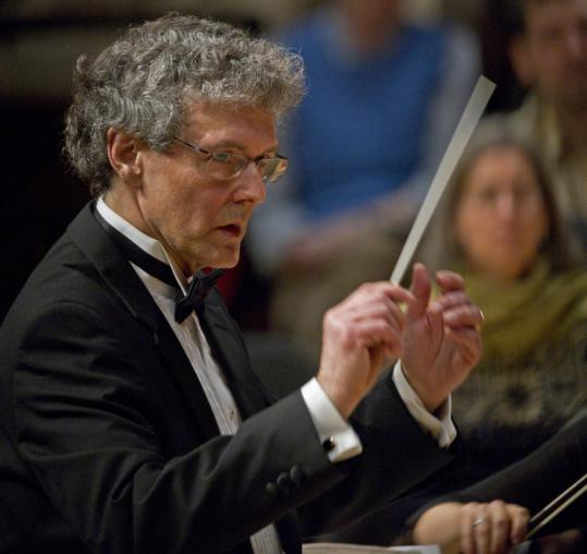 Martin Pearlman led Boston Baroque in welcoming the new year in high 18th-century style at Sanders Theatre Saturday.