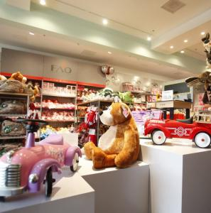 J. Albano/file Toys 'R' Us opened an FAO Schwartz holiday store last August at the Mall at Chestnut Hill, one of several retail complexes along Route 9 known for name-brand shopping options.