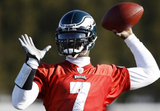 Eagles quarterback Michael Vick has had his best season, but today he's up against a Packers team with a lot of momentum.