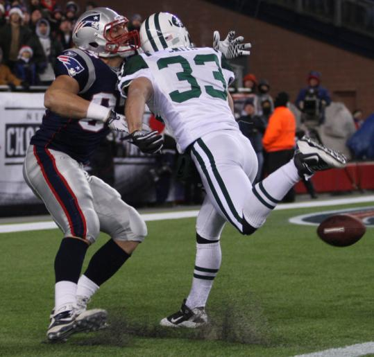 The Jets' Eric Smith will be going every which way on defense and special teams in the third meeting with the Patriots.