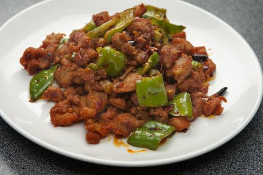 Dried chicken with chili sauce.