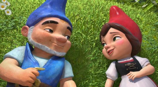 Gnomeo (voiced by James McAvoy) and Juliet (Emily Blunt) take the classic Shakespearean roles and shrink them down to garden-gnome size.