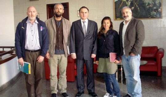 New York Times journalists (from left) Stephen Farrell and Tyler Hicks flanked Levent Sahinkaya, Turkey's ambassador to Libya, along with Lynsey Addario and Anthony Shadid.