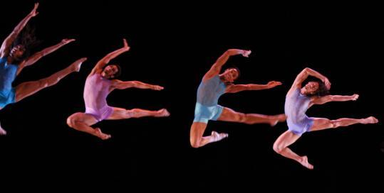 Danza Contemporanea De Cuba rehearsing 'Horizonte.'