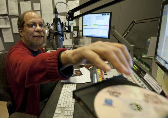 Eric Jackson has hosted his evening jazz program on WGBH-FM since 1981, and is being celebrated this week with two events.