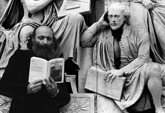 Ira Cohen appeared to have the ear of a sculpture of Shakespeare at London's Albert Memorial.