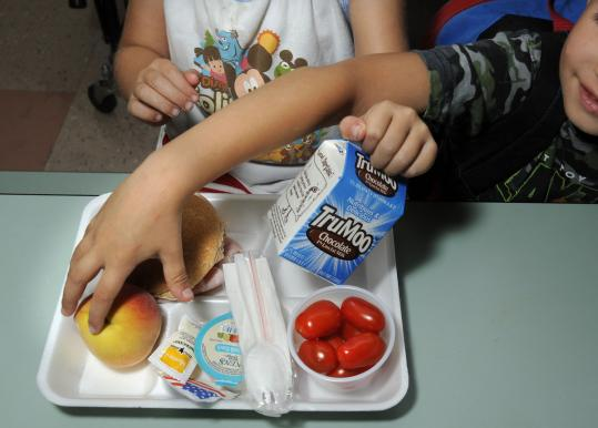 At a time when child obesity is in the spotlight and food allergies have spiked, Mansfield has approved a policy preventing children from bringing food from home for birthdays and parties.