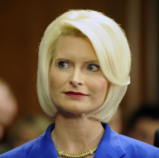 The hair-care routine of Callista Gingrich reportedly affected her husband's campaign schedule.