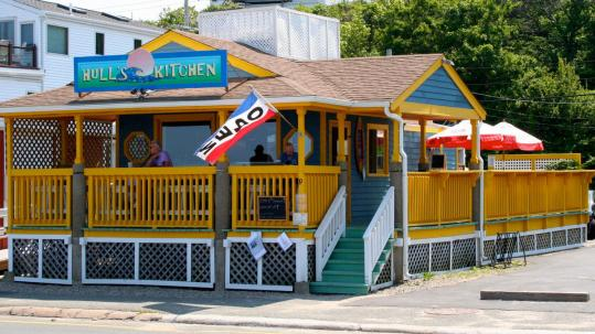 Hull's Kitchen on Nantasket Beach opened in 2006 and offers music and a bar as well as creative beach fare.