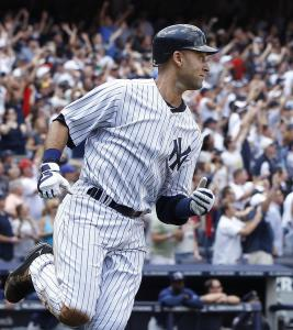 Derek Jeter runs out his third-inning homer, his 3,000th career hit. He became the first Yankee to reach that milestone.