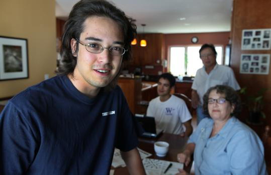 Jeffrey Lim, 20, of Arlington, is forgoing MIT for a $100,000 Thiel Fellowship to pursue a start-up idea. His mother, Margaret (right), isn't totally convinced.