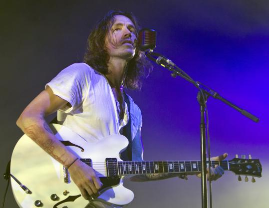 Frontman Brandon Boyd led Incubus through a varied set at Comcast Center Friday night.