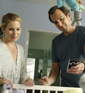 "Christina Applegate and Will Arnett play 40-ish first-time parents in NBC's ""Up All Night.''"